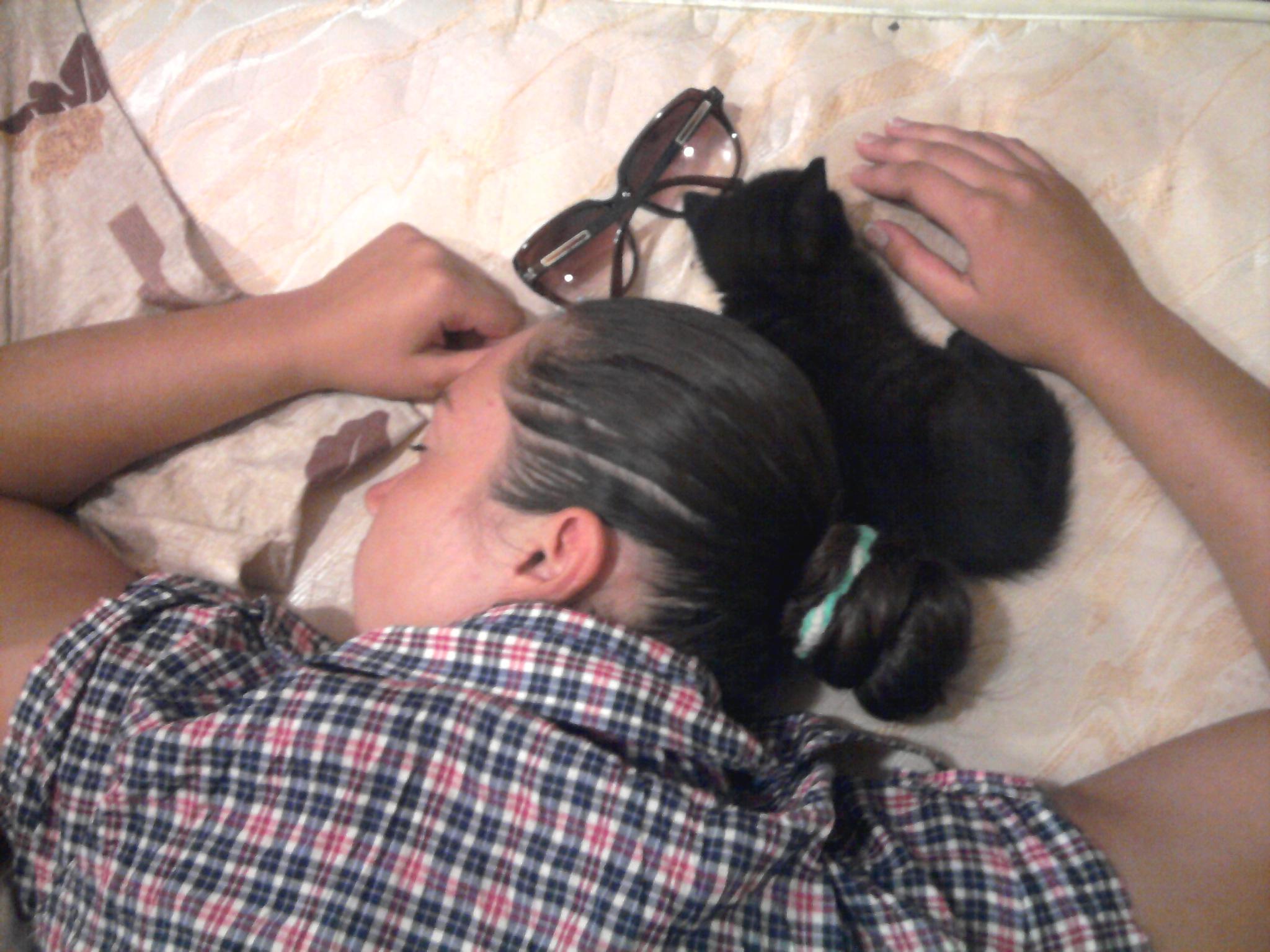 Сфоткал спящую голую маму 23 фотография