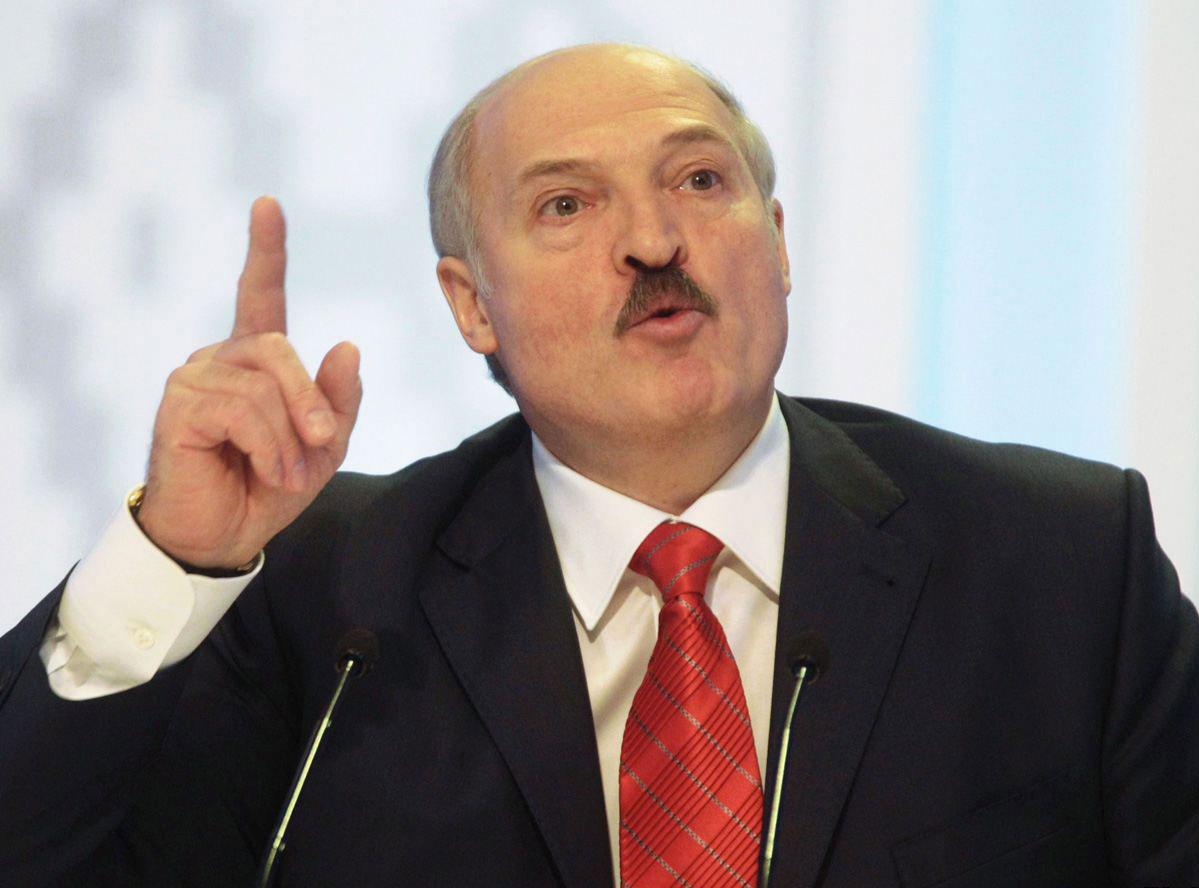 Лукашенко пламенно обратился к Путину на саммите ЕАЭС