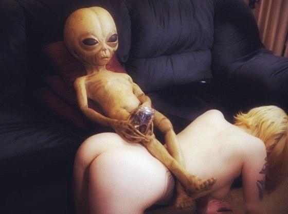Порно с женщиной пришельцем