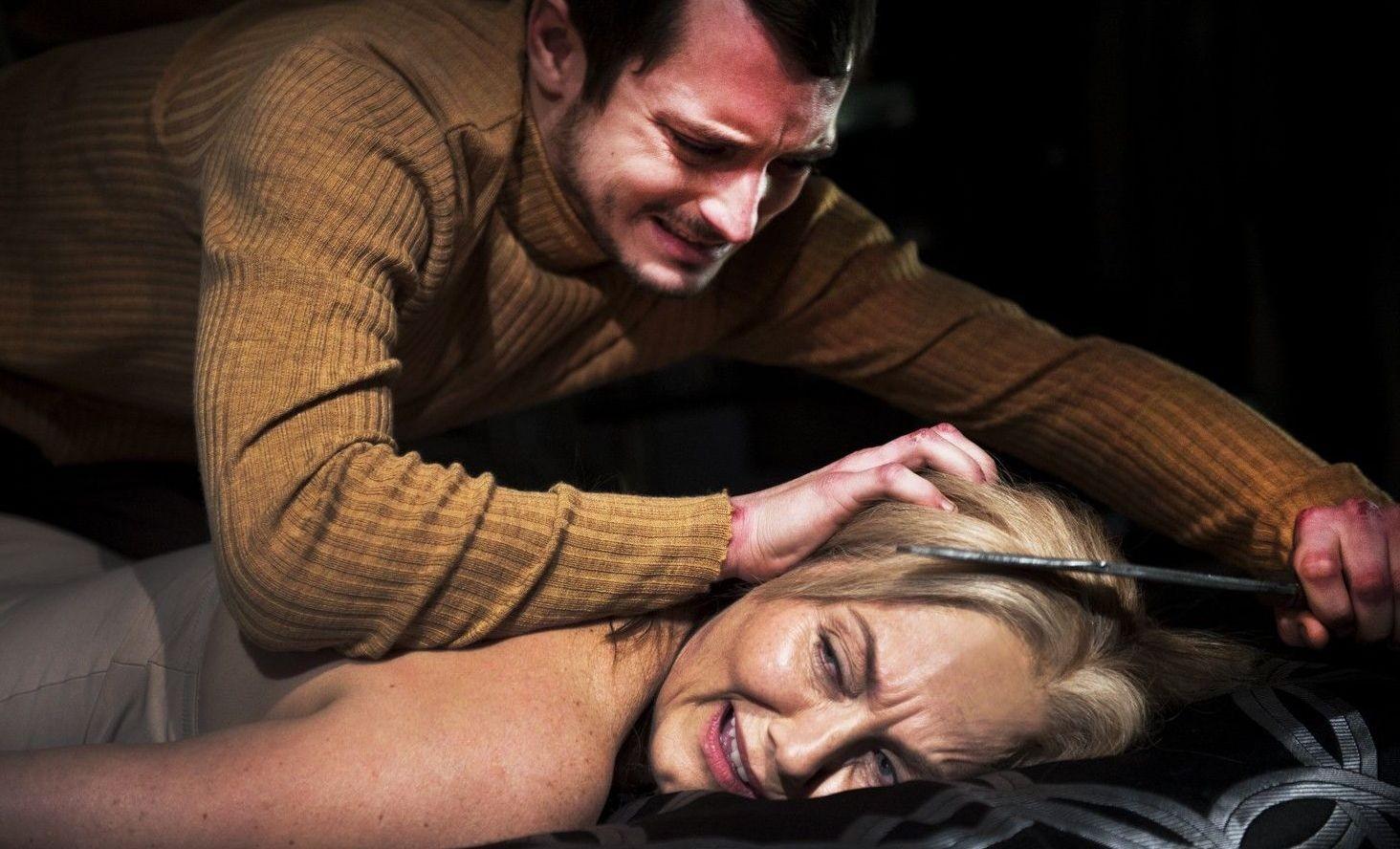Похищение с аналом, Похищение анал - видео rating Flesh Hole HD 5 фотография